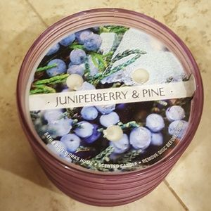Bath body works Juniperberry Pine 3 wick Candle